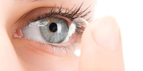 Из чего сделаны контактные цветные линзы